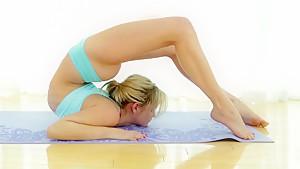 Amazing teen with perfect flexible body