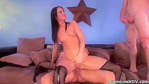 Double penetration in hot chick Jennifer Dark
