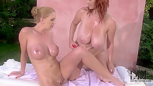 Leigh Darby and Vanessa enjoy in using the day