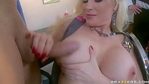Busty blonde pornstar Diamond Foxxx sucks Ramon