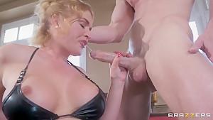 Buld fucker Johnny Sins is anal fucking hot blonde Krissy Lynn!
