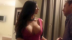 I want Ariella Ferrera in front of me