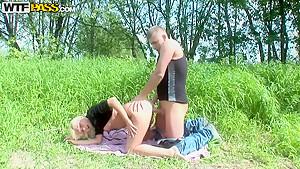Dulsineya lifts her leg up for better view