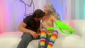 Hot blonde Jessa Rhodes enjoys in hot pussy licking