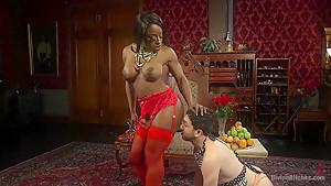 Hot Muscular Domme Annihilates Wimpy Man Servant!