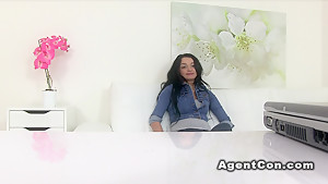 Fake agent cums on pussy on a desk in casting