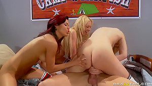 Awesome college sex party feat. Johnny Sins
