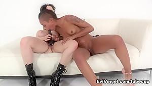 69 lesbiian sexx orgasm