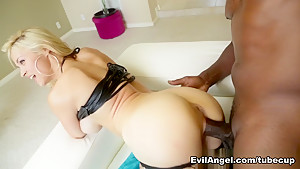 Hottest pornstars Lexington Steele, Mike Adriano, Sarah Vandella in Fabulous Anal, Facial adult movie