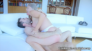 Horny pornstars Kelly Divine, Roxy Raye, Jynx Maze in Exotic Facial, Stockings adult clip
