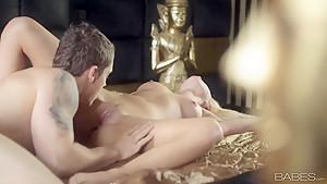 Seductive blonde Naomi Nevena gives head in bedroom