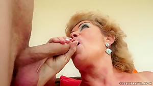 I fucked my friend's granny mature Effie