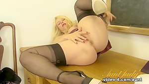 Fabulous pornstar in Exotic Blonde, Lingerie sex clip