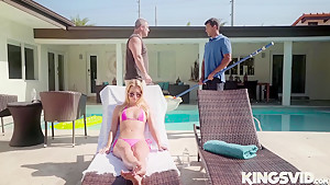 Riley Star In Wet Hot American Stunner