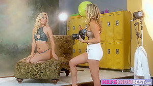 Blonde MILF Brett Rossi and sexy Lyra Law in lesbian session