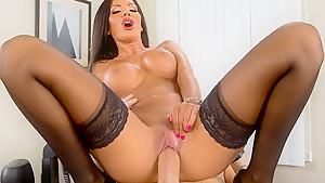 The Multitasking Titties